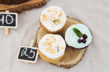 blueberry muffin: three of spongecake or muffin with cream
