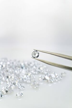 diamond stones: Precious stone with equipment of tweezer