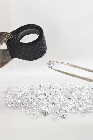 pinzas: Piedra preciosa con equipamientos de lupa y pinza