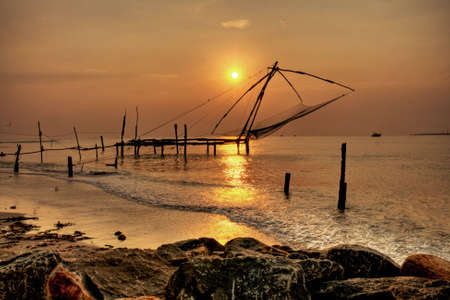 redes de pesca: Redes de pesca chino, Fort Cochin, India Foto de archivo