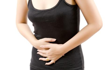 abdominal pain: Mujer que sufre de dolor abdominal