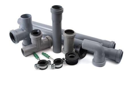 kunststoff rohr: Kanalrohre aus PVC isoliert auf wei�em Hintergrund
