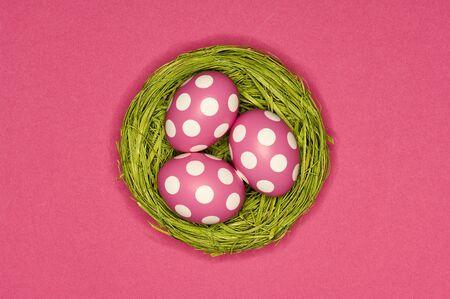 pink easter eggs 版權商用圖片