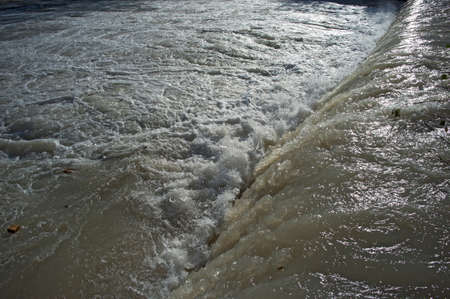 threatens: river rises and flooding Threatens