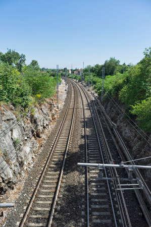 deserted train tracks 版權商用圖片