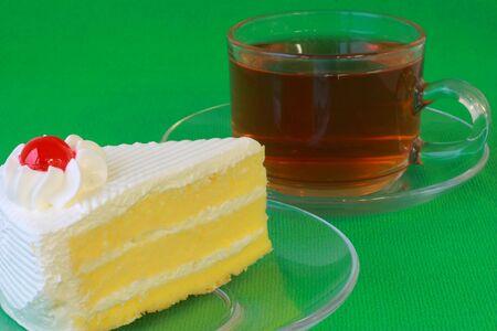 Vanilla cake with hot tea