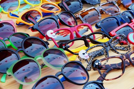 Shop sunglasses market photo