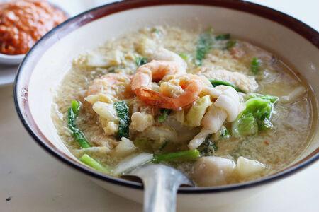 vermicelli: Sopa de mariscos fideos - Sukiyaki