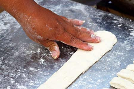 grasas saturadas: Palo de masa frita en el mercado Foto de archivo
