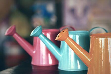 plantando arbol: Conjunto de colorido jarra para la plantaci�n de �rboles.