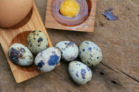 brown eggs: Quail eggs and brown eggs