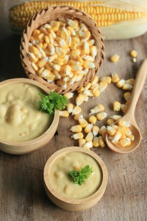 perejil: Corn soup with parsley