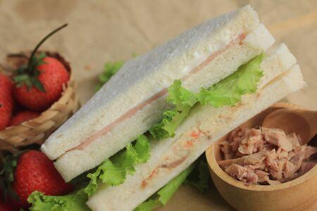 tuna mayo: tasty sandwich tuna ham