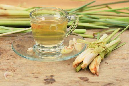 Heißer Tee mit Zitronengras