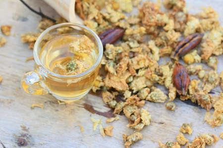 Chrysanthemum tea and dried