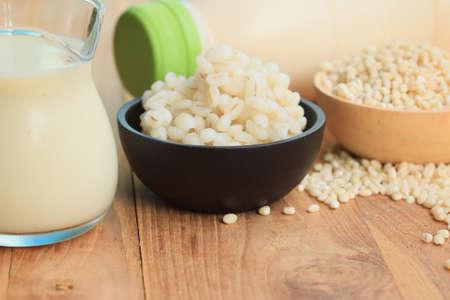 leche de soya: leche de soja y cebada semillas
