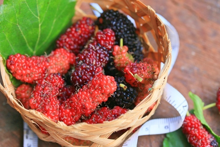 fresh organic mulberry fruit Stok Fotoğraf