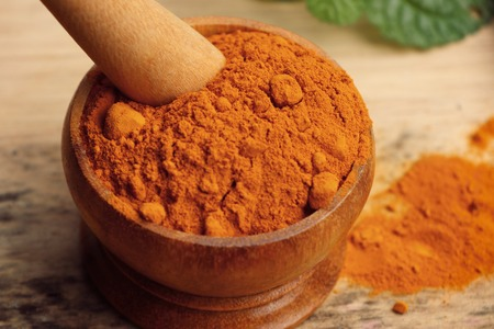 tumeric: Turmeric powder Stock Photo