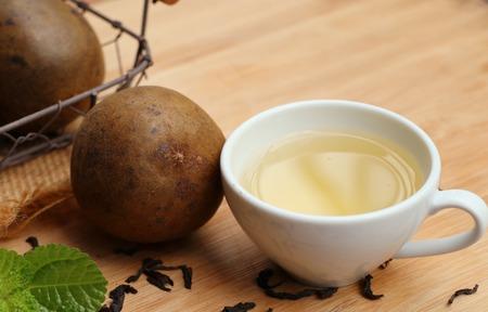 membrillo: lo han guo with drink Foto de archivo
