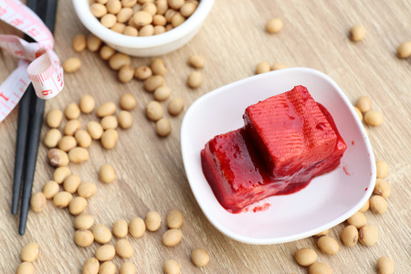 Tofu red with bean