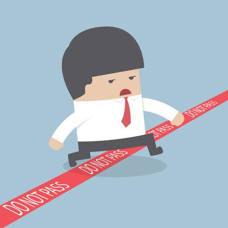 no pase: Empresario caminando a través de una línea roja con las palabras no pasan