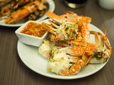 crab meat: Grilled crabs with Thai spicy seafood sauce