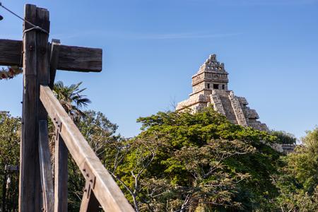 TOKYO, JAPAN - November 21, 2018: Indiana Jones landmark in the Tokyo Disney Sea. 新聞圖片