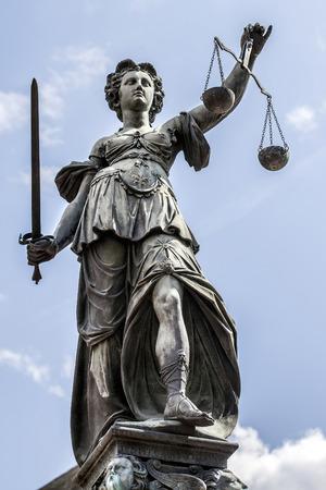 Lady Justiz in Frankfurt Deutschland Lizenzfreie Bilder