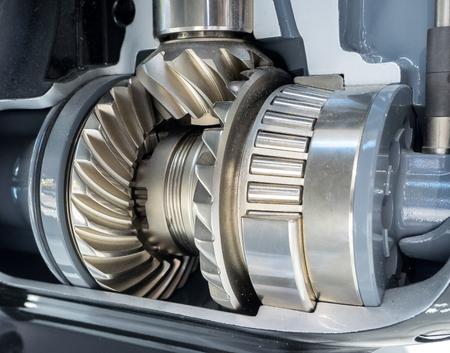 Schließen Sie herauf Ansicht von nagelneuen Maschinenzahnrädern Standard-Bild - 77110589