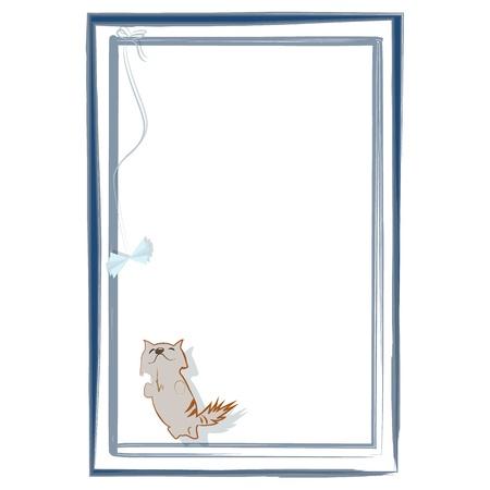 Little tevreden kitten te spelen met de hand gemaakt speelgoed vlinder, die gebonden is aan het frame