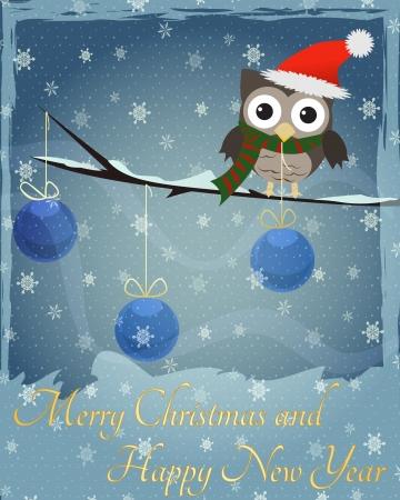 Uil Marry Kerstmis en Gelukkig Nieuwjaar Kleine bruine uil op besneeuwde tak en Gelukkig Nieuwjaar tekst