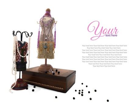 Sieraden houders  Sieraden houders vorm van vrouwelijke lichaam in jurk met sieraden en juwelen doos Stockfoto