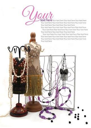 Sieraden houders  Sieraden houders vorm van vrouwelijke lichaam in jurk met sieraden en zilveren sieraden scherm