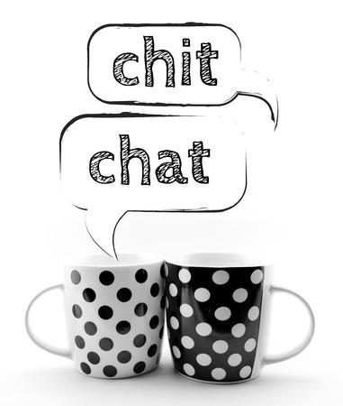 Koffiemokken met tekstballonnen Chit Chat op een witte achtergrond