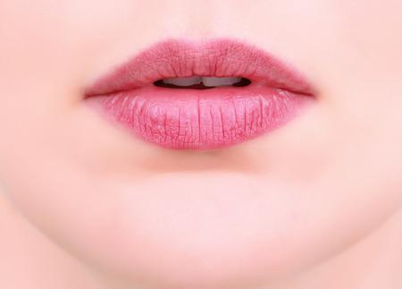 Close-up op de mond van de vrouwen het gezicht Stockfoto