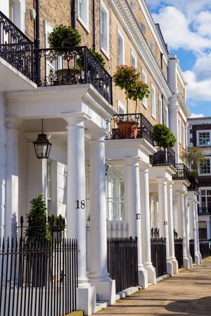 ロンドン ケンジントンの美しい白いエドワード家の行