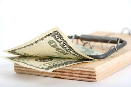 mousetrap: uno cento delle banconote in dollari in trappola per topi Archivio Fotografico