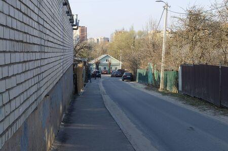 Vladimir street Pushkarskaya, d. 36, a lane of the private sector in the center of Vladimir