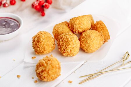Fried Mozzarella Cheese Balls with Cranberry Sauce