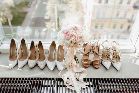 Woman Round-toe Pumps Shoes Collection and Bouquet