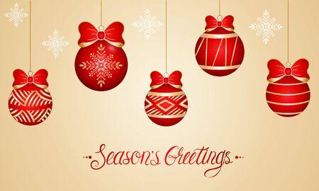 Carte de nouvel an avec des jouets de Noël en rouge avec un ornement en or et des lettres sur fond clair Vecteurs