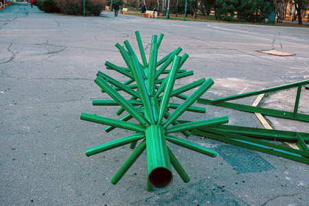 Municipal services are carrying out preparatory work for the New Year and Christmas. The process of installing a city New Year tree. Installation of a frame structure.