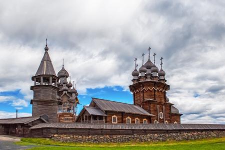 キジ島の島に変貌の木製の正教会 写真素材
