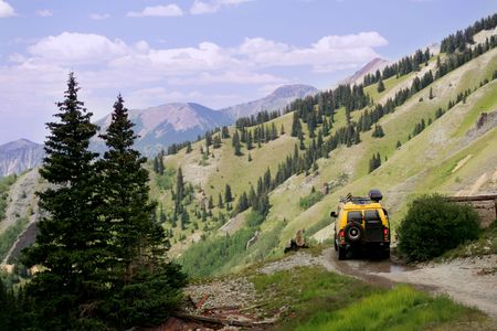 wench: Offroading in Colorado Rocky Mountains