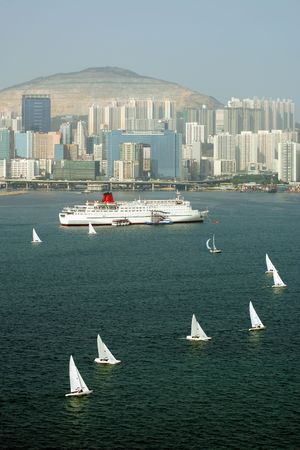 Regatta in Victoria Harbor, Hong Kong Stock Photo - 3421508