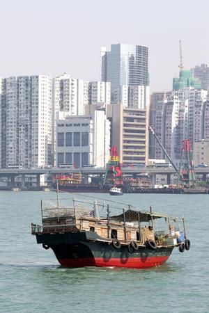 Traditional Chinese fishing junk in Victoria Harbor, Hong Kong Stock Photo - 8393287