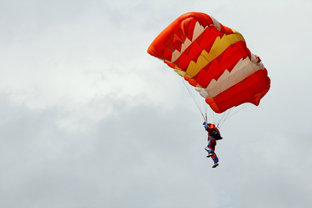 parachute jump: parachute jumping Stock Photo