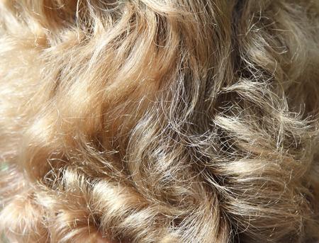 Wavy blond hair