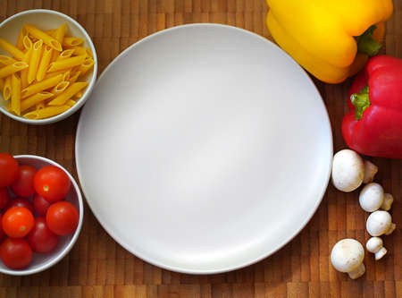 Cooking pasta, pasta, cherry tomatoes, bell peppers, mushrooms Stockfoto