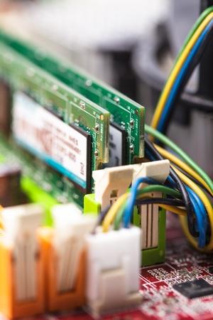 pawl: RAM presa closeup sulla scheda madre del computer